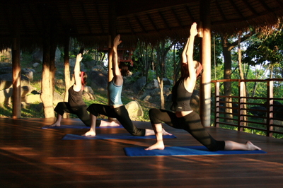 Lung_w_mary_and_wendie_in_kamalaya